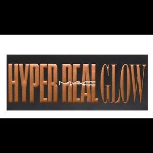 Mac Hyper Real Glow Highlighter Palette
